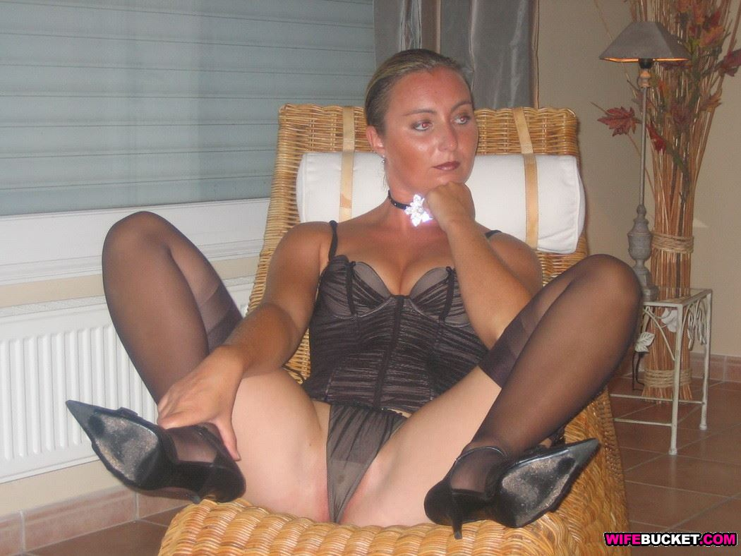 Amatuer nude wife stockings