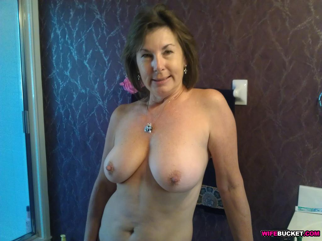 Wifebucket  Mature Wife Sex Pics-7684