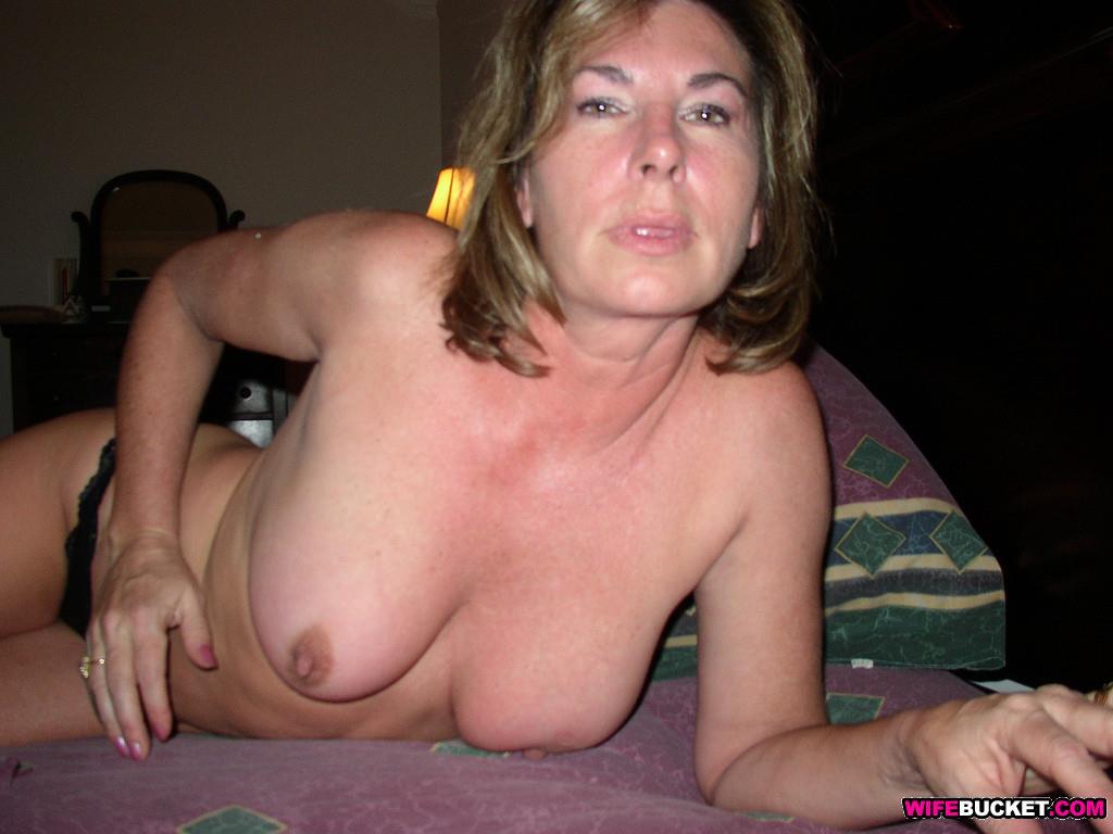 Wifebucket  Mature Wife Sex Pics-4666