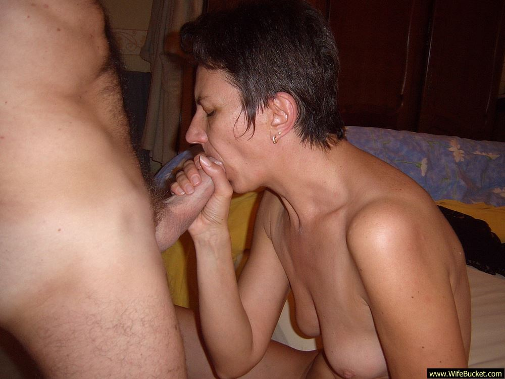 Wifebucket  Mature Wife Fucking At Home-3036