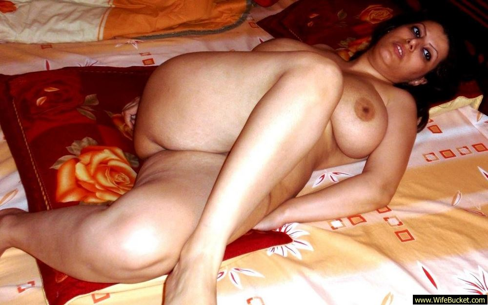 Wifebucket  Naked Pics From A Chubby Turkish Wife-7501