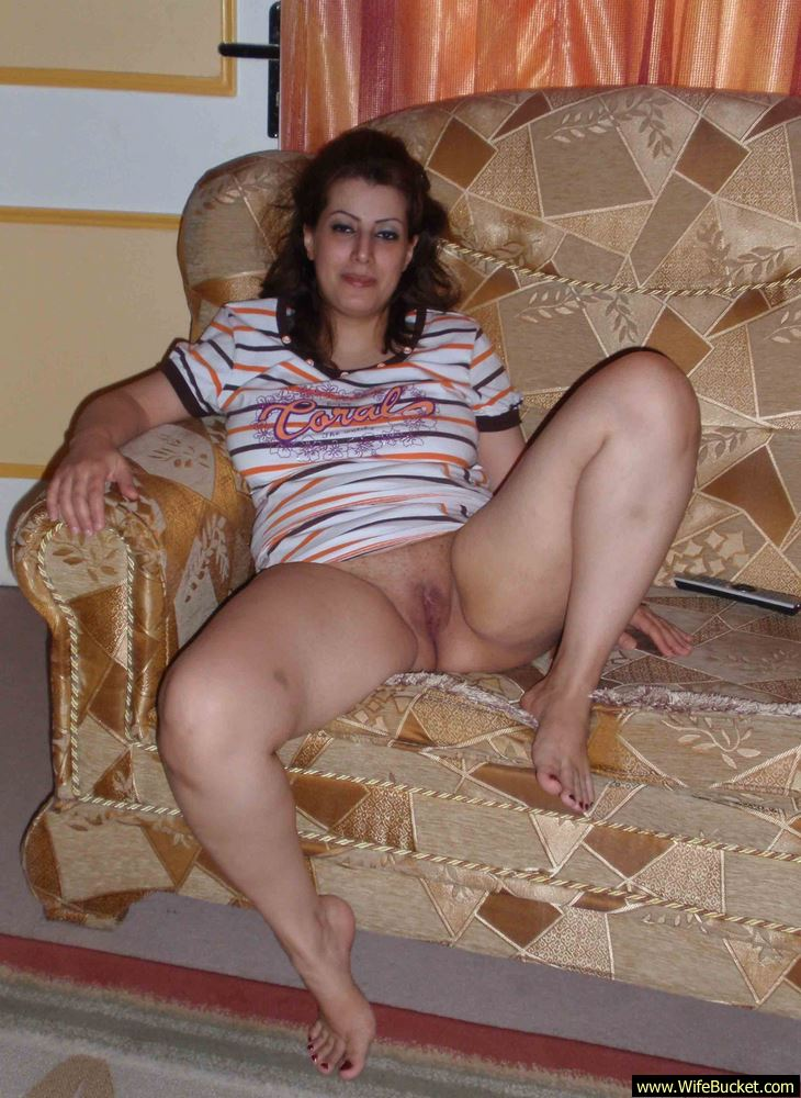 Wifebucket  Naked Pics From A Chubby Turkish Wife-7620