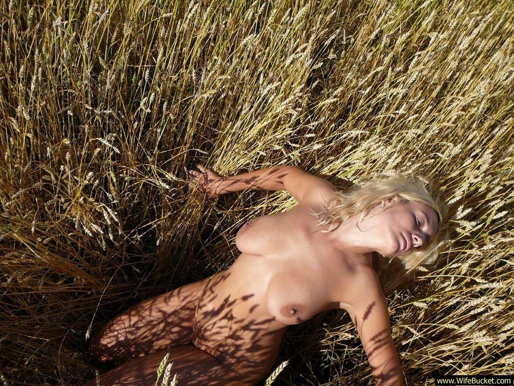 Wifebucket  Nudist Wife Naked In Public-3734