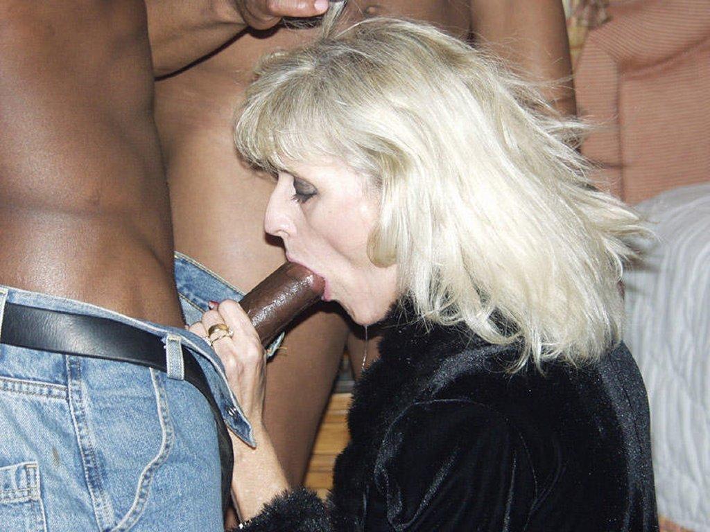 Big tits young pussy lesbians pics