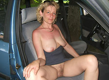 MILF naked in new used car