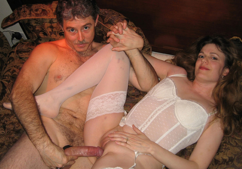 Neighbor eats out married girl while husband is away 9