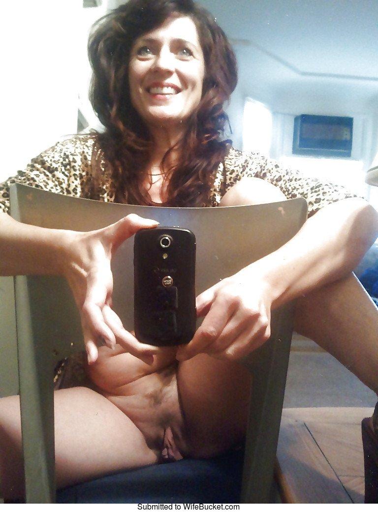 Wifebucket  Mature Women And Their Naughty Naked Selfies-3136