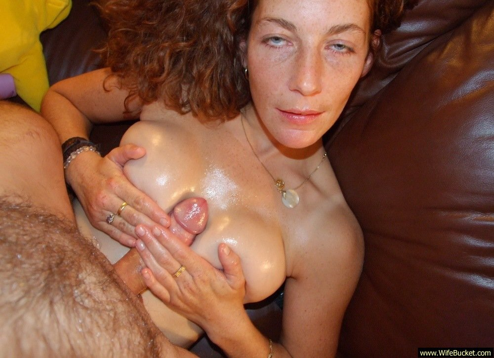 Hot redhead amateur slut getting her 3