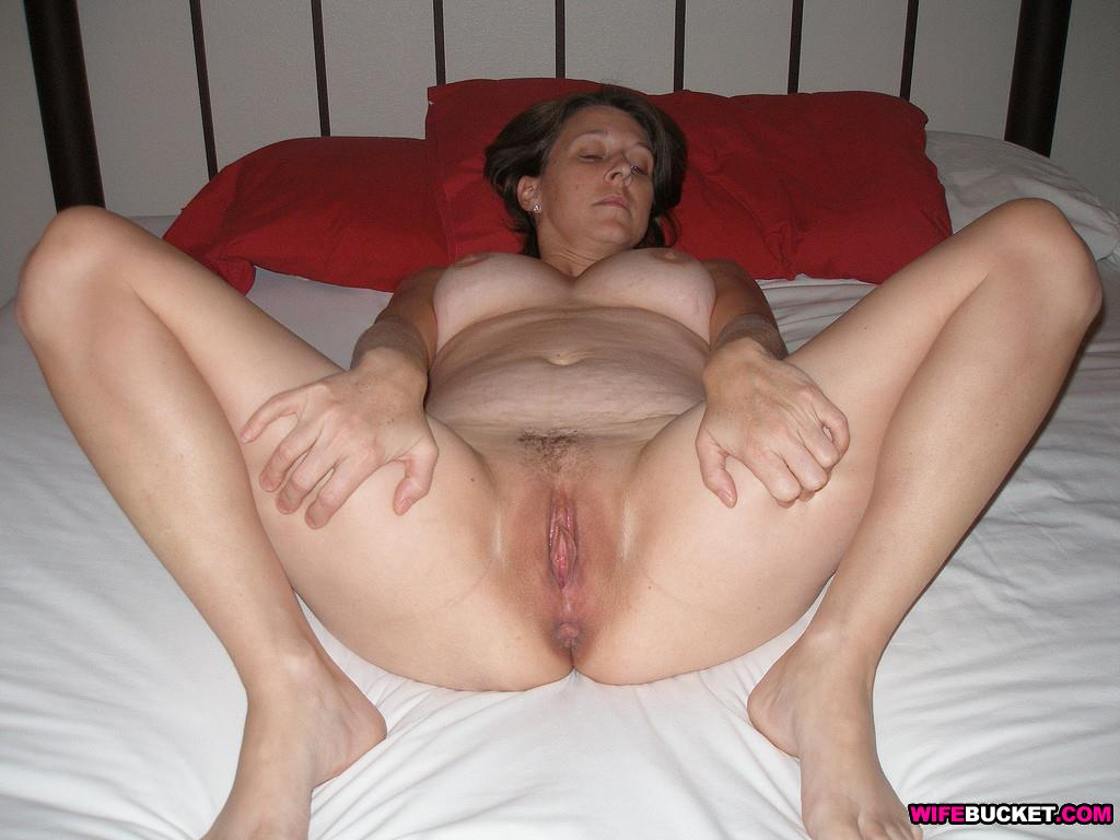 Amateur wife next door nude
