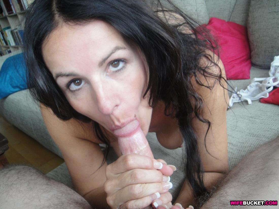 awesome women over 40 sucking cock