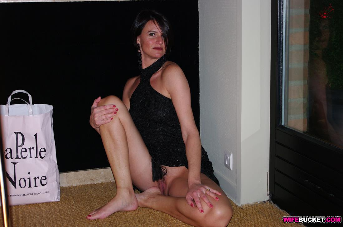 image Horny amateur wife loves to fuck in strange positions