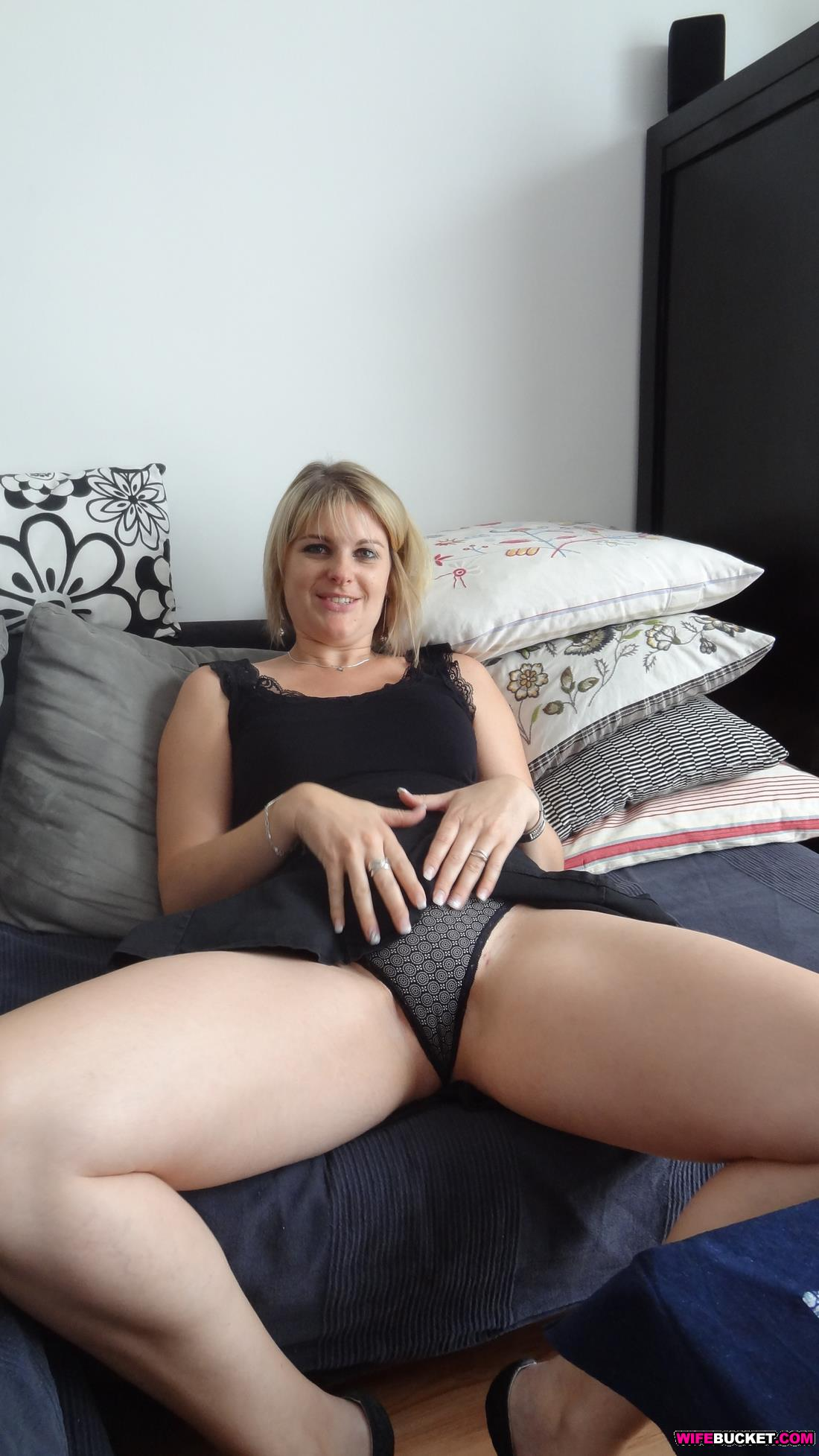 Amateur Threesome Wife Sharing