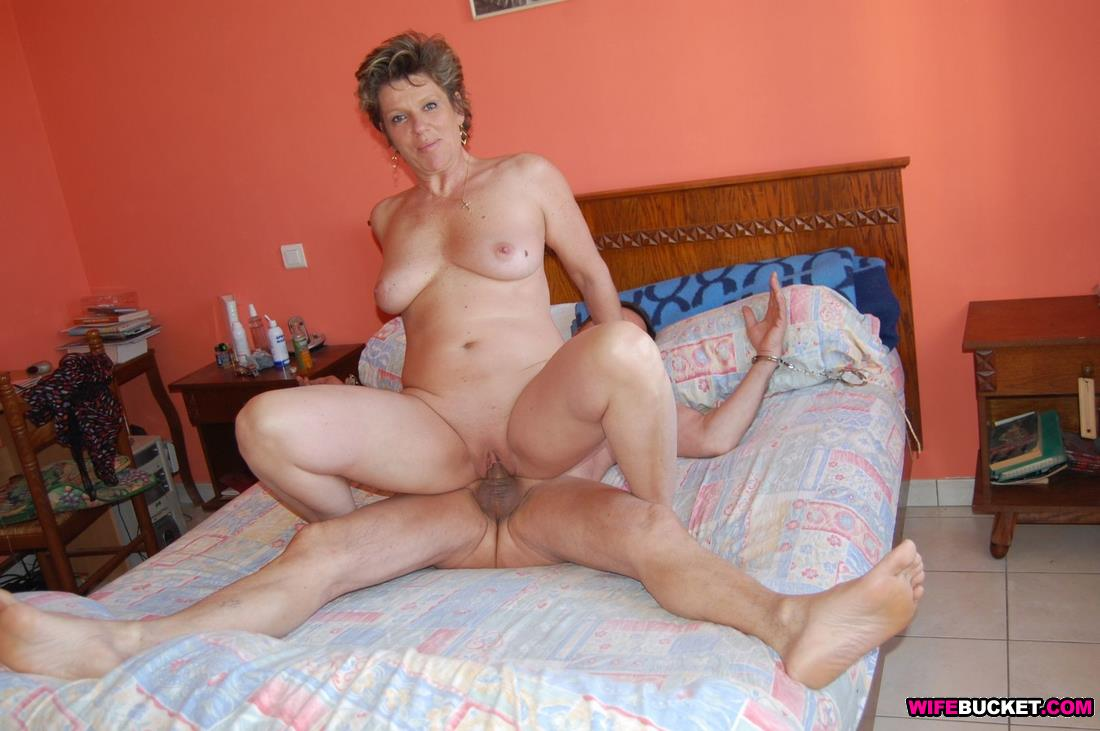 Home video wife fucking