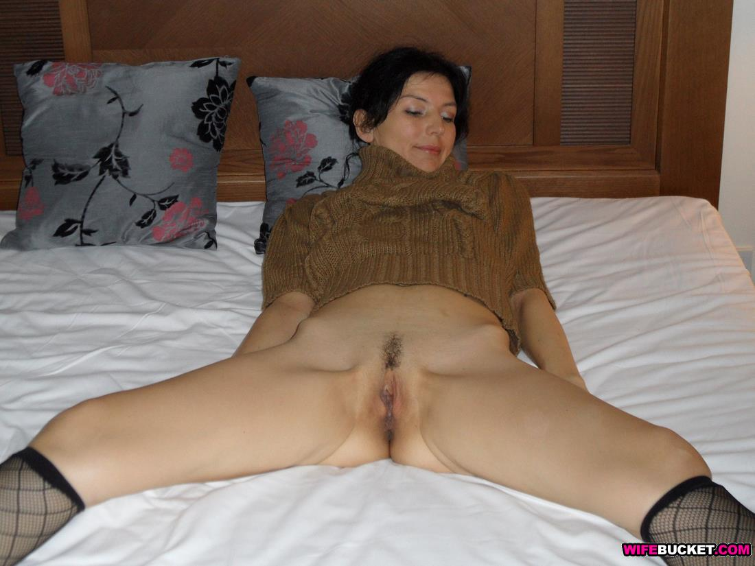 Milf wife with hot body fucks