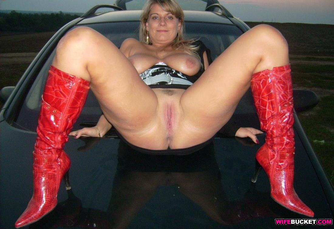 wifebucket | kinky milf is big on public nudity and outdoor sex