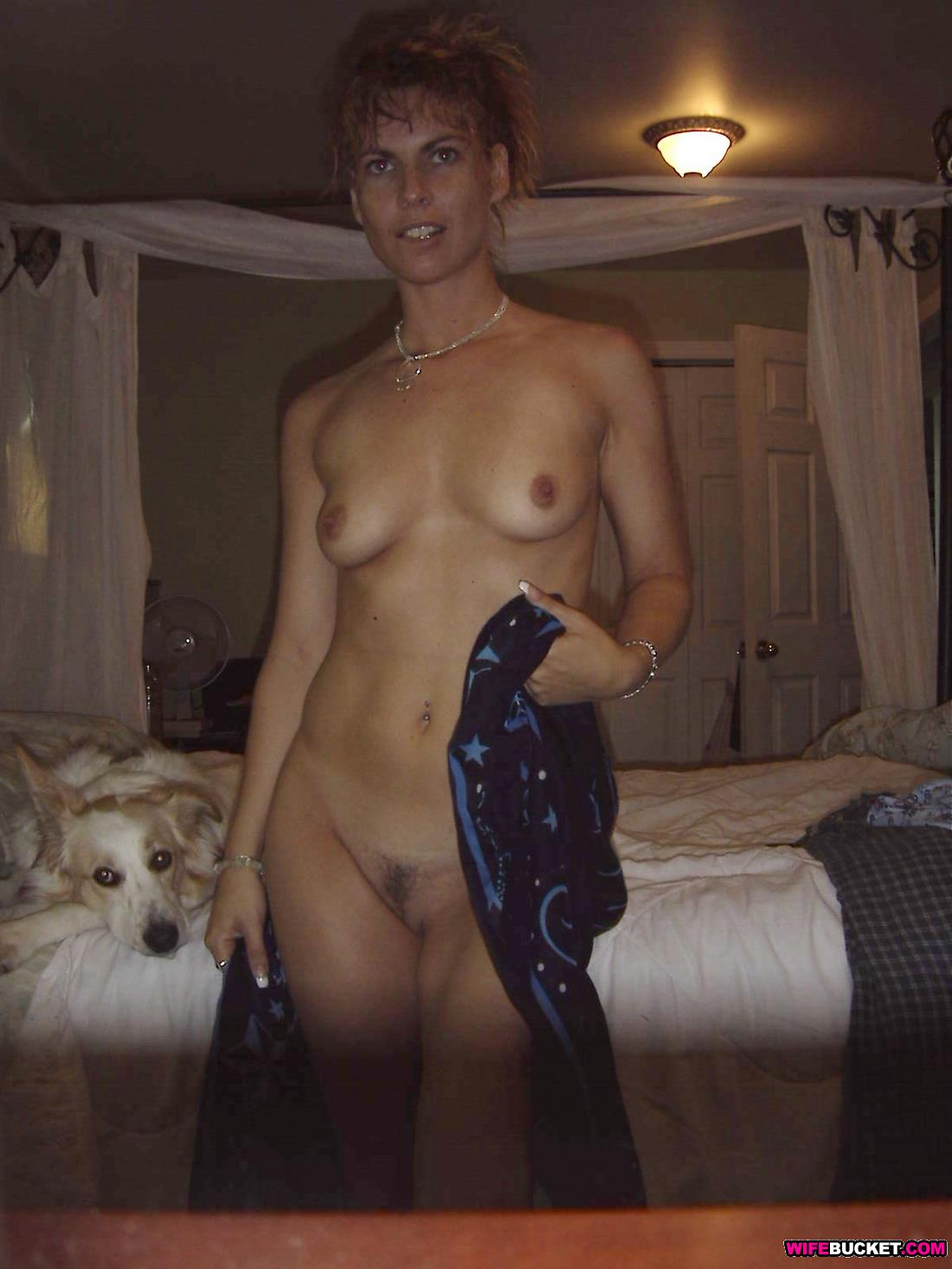 Wifebucket  First-Ever Nudes From A Hot Wife Over 40-8215