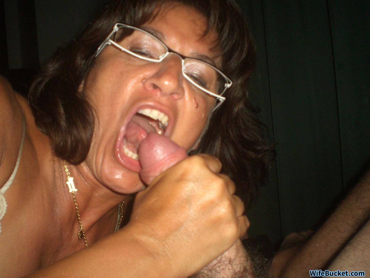 MOM Big tits USA MILF needs hot hard fuck and facial from