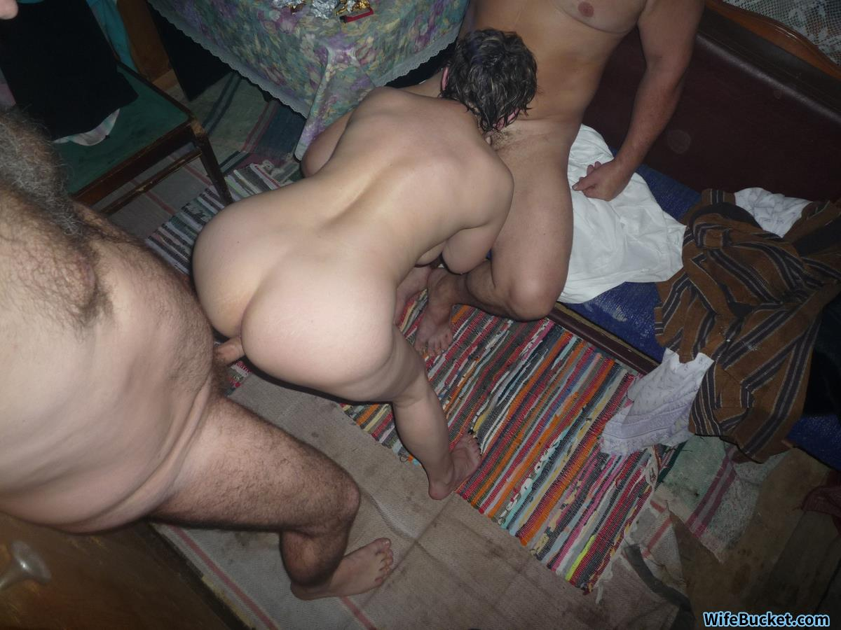 18y wife fucked by senior front of the house - 2 part 4