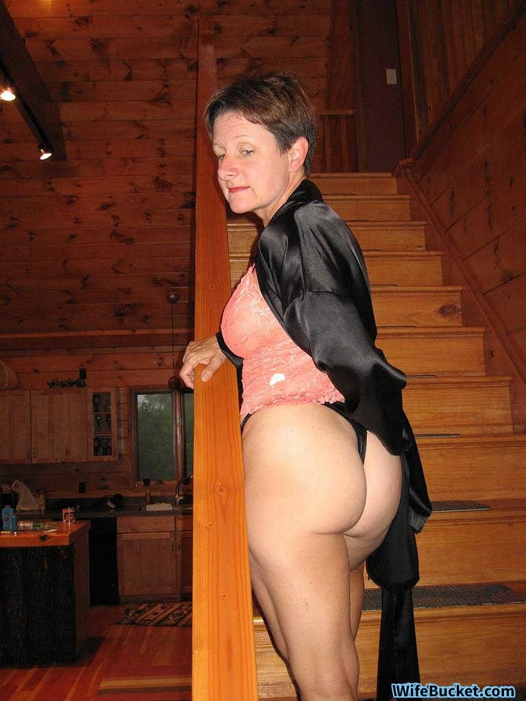 mature naked Amateur wife