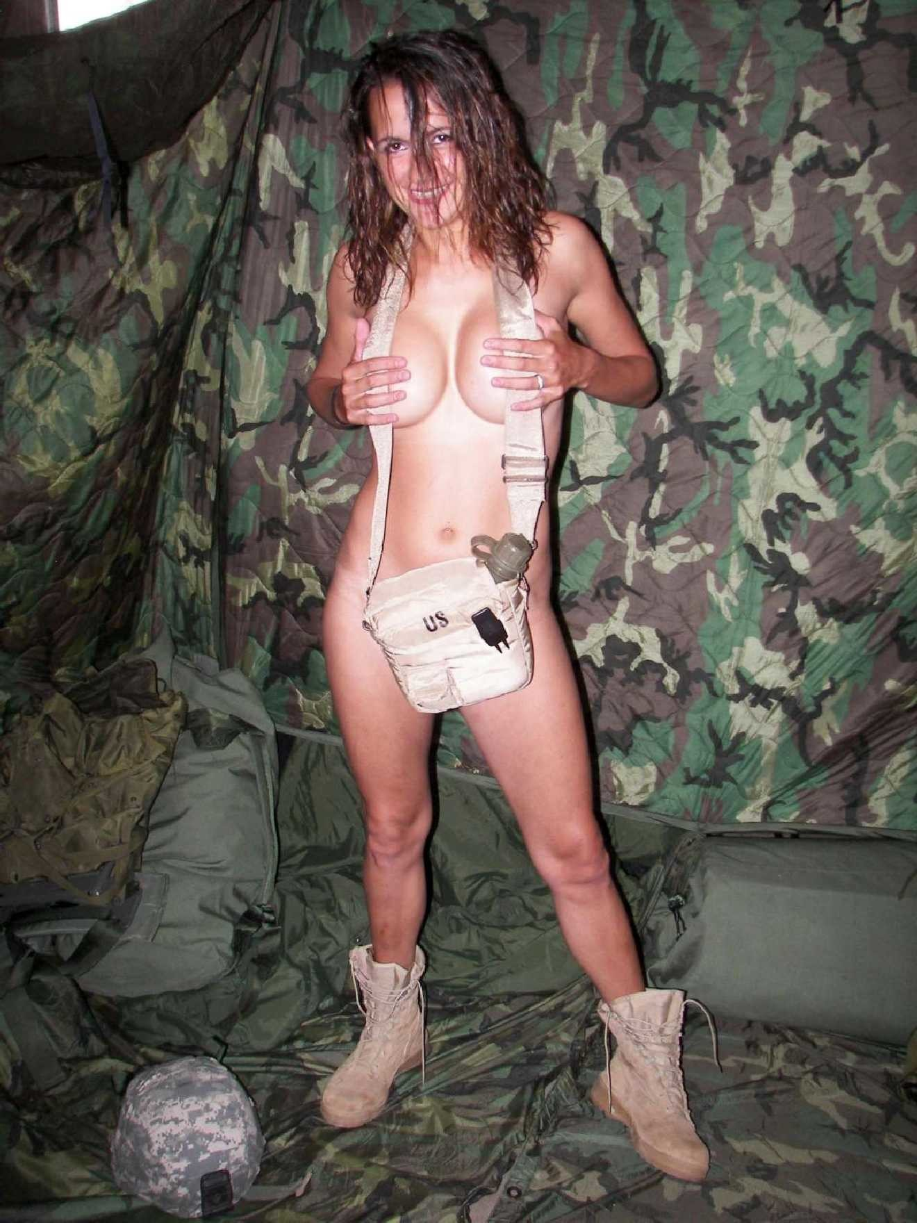 Amateur military girls-7314